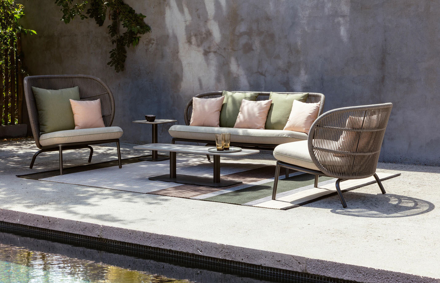 Kodo-mid-back-lounge-chair-outdoor-LS01