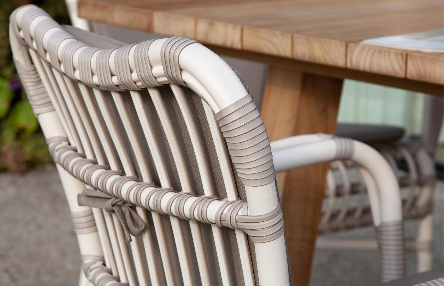 Lucy-dining-armchair-outdoor-LS03