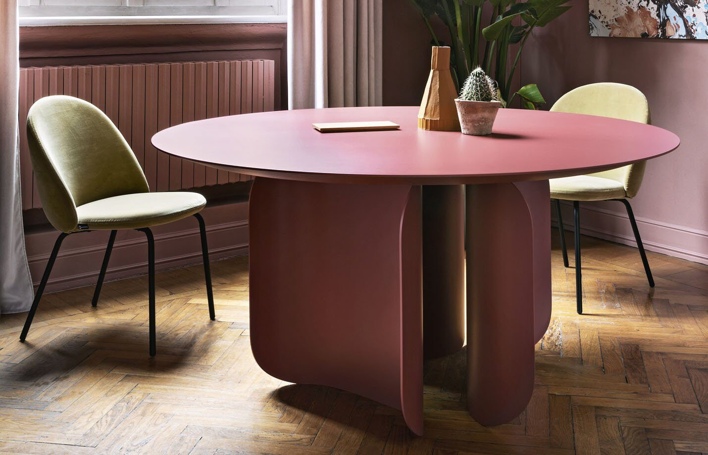 Barry-round-dining-table-LS01